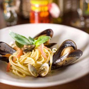 Спагетти с мидиями по-неаполитански