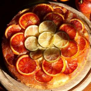 Пирог-перевертыш с сицилийскими апельсинами и лаймом