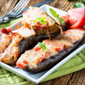 Баклажаны с овощами и сыром Пармиджано-Реджано