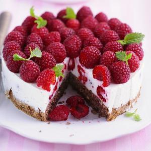 Малиновий чізкейк: дієтичний рецепт без випікання