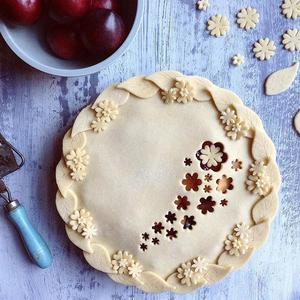 Як прикрасити пиріг