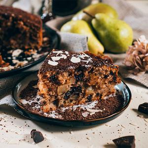 Пиріг з грушею та шоколадом