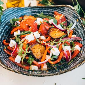 Салат з баклажанами та фетою