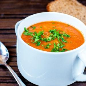 Сочевично-томатний суп