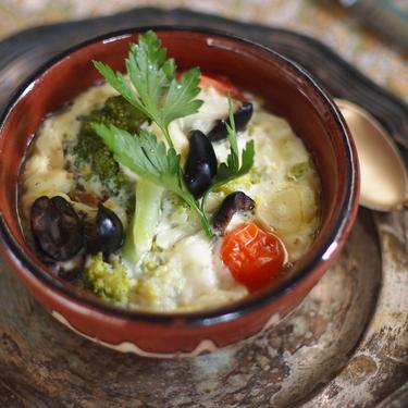 Паровий омлет з броколі, томатами, сиром і маслинами - Рецепт від Pyramida