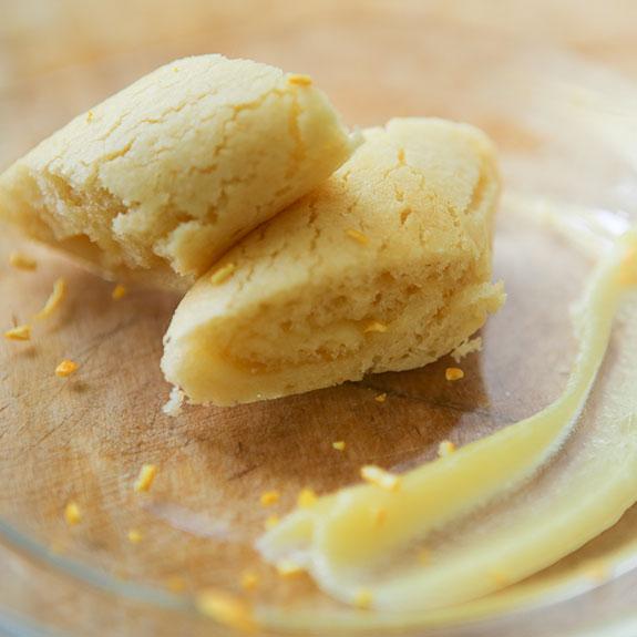 Рулет з лимонно-апельсиновим курдом - Рецепт від Pyramida