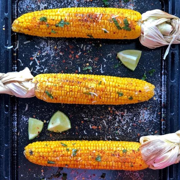 Кукурудза з чілі, лаймом та пармезаном - Рецепт від Pyramida
