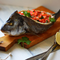 Рыба с сырным суфле и шпинатом