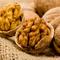 Как правильно чистить грецкие орехи, оставляем ядра целыми